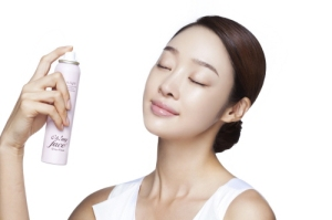 Add-Life-To-Your-Skin-With-Green-Tea-Facial-Mist
